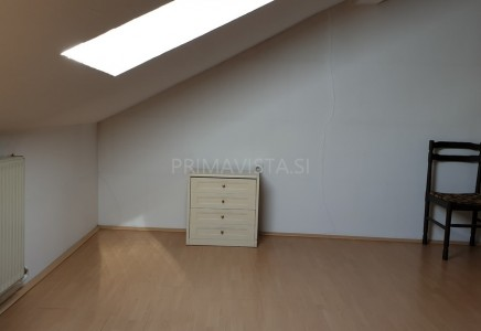 Image for Stanovanjsko-poslovni objekt